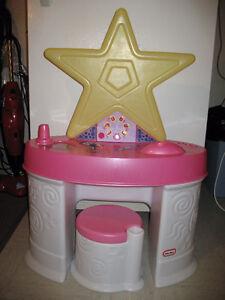 LITTLE TIKES MUSICAL STAR VANITY Windsor Region Ontario image 1