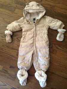 GAP snow suite 18-24month with mitts and footies