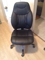 Bonded leather computer chair