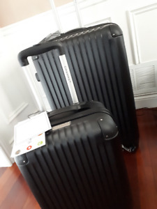 BRAND NEW CHAMPS LUGGAGE SET