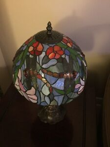 Tiffany Dragonfly Leaded Glass Lamp  West Island Greater Montréal image 4