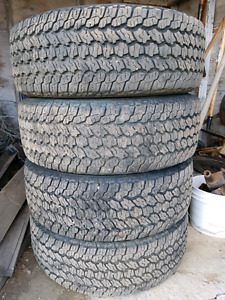 Goodyear Wrangler All-Terrain Adventure (P255/65R17 110SL)