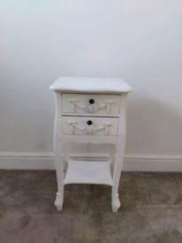 White bedside cabinet/drawers