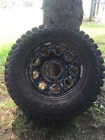 4 good year wrangler tire 235/75/15