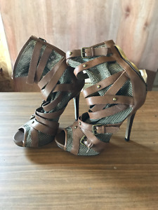 Guess sexy shoe/boot. Size 6