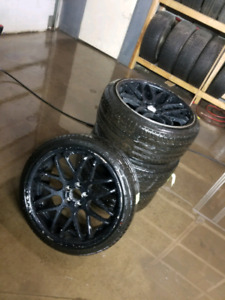 *GREAT DEAL* NEW SUMMER TIRES + MAGS 265/40/R22 - 700$