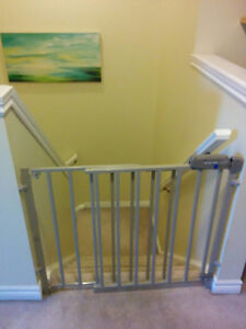 Evenflo Secure Step Top of Stairs Gate Kitchener / Waterloo Kitchener Area image 1