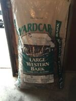 Large cedar wood chips (brown)