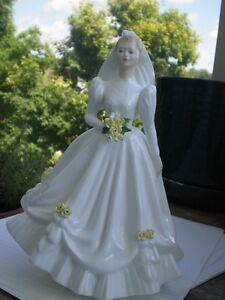 "Royal Doulton Figurine "" The Bride "" HN 3284 Kitchener / Waterloo Kitchener Area image 9"