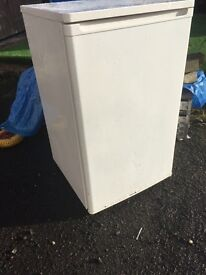 Catering trailer fridge ( under counter type ) £40