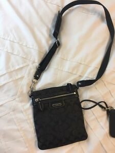 Coach bag and wristlet  Kitchener / Waterloo Kitchener Area image 1