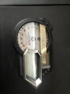 cadran odomètre speedometre yamaha apex 2006-2010