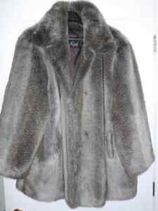 "QUALITY WOMEN'S FAUX FUR WINTER COAT  GREY XXL "" LIKE NEW """