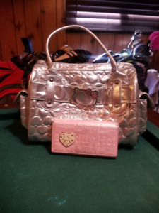Hello kitty purse with wallet