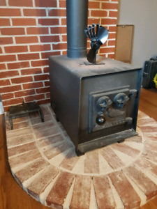 Lake wood wood stove, great condition.