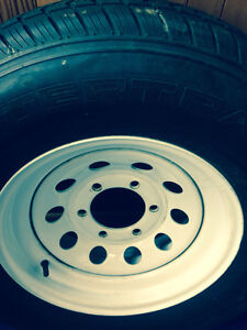 6 Stud Trailer Rims No Rust. With 225/75/15 On Them