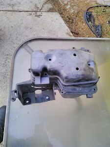 YAMAHA RZ350 1986-1990 AIR BOX COMPLETE Windsor Region Ontario image 2