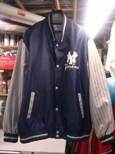NEW YORK  YANKEE MLB EMBROIDERED JACKET MINT 2 - 3 XL