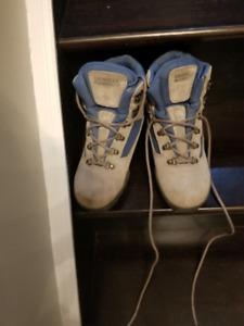 Women's Merrill hiking boots
