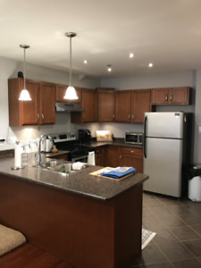 Great 2 bedroom Uptown on Canterbury!