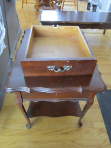 VINTAGE SOLID CHERRYWOOD COFFEE TABLE 2 END TABLES