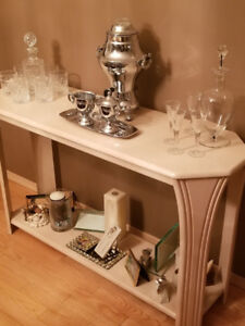 Vintage Coffee Urn with Cream and Sugar accessories
