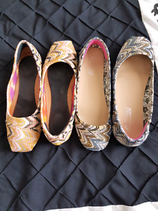 Two pairs of flats size 5