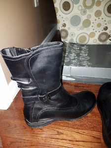 Brand new beautiful leather boots size 11