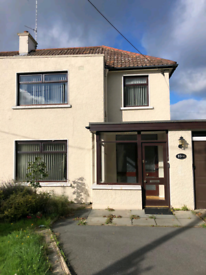 Spacious 3 bedroom property with large garage to rent. Portadown