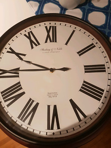 Sterling & Noble battery operated clock