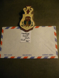 2 DECORATIVE OLD VINTAGE DOUBLE-SIDED LETTER-CLIPS