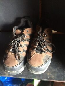 safety shoes sizes 10 - STILL AVAILABLE