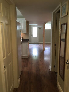 1000 sq.ft. 1-bdrm with YARD, LAUNDRY, PARKING + UTILITIES INCL!