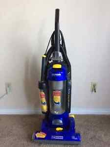 Selling Eurika Bagless vacuum cleaner in excellent condition Edmonton Edmonton Area image 1