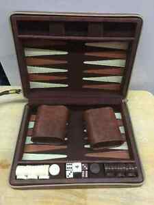 PLAY BACKGAMMON ANYWHERE ANYTIME WITH THIS SETS   FIRST SET:  PO