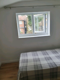 NICE SINGLE ROOM TO LET!!!