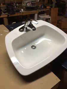 Vanity sink and faucet