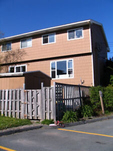 3 LEVEL END UNIT CONDO/TOWNHOUSE