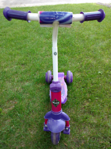 Childs Scooter $10 Straight.
