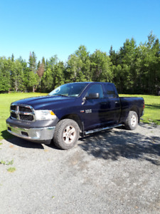 2013 Dodge Ram 1500 SXT Quad Cab - only 36,000 km !