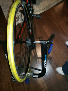 Wahoo bike trainer  kickr snap   smart trauner