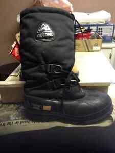 ACTION CSA STEEL TOE WINTER WORK BOOTS sz9   50 O/B