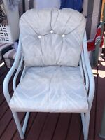 Set of 4 patio chairs coshen only $50 call 5199812949