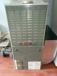 Trane XR80 80,000 BTU Natural Gas Furnace in Excellent Condition
