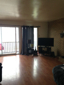 Large 5 Bedrooms Townhouse close to Downtown/Quinpool