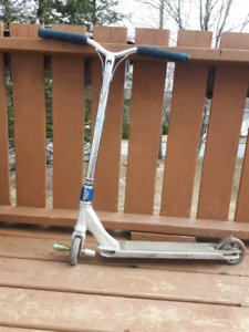 custom pro scooter 200$ obo price is negotiable