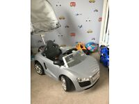 Audi R8 ride on toy