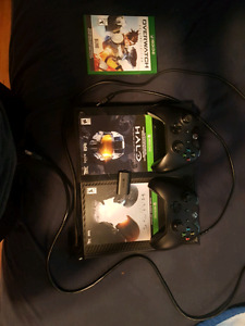 Xbox one,  one controlle, 5 pre installed games, halo codes,