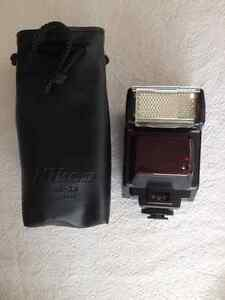 Nikon Speedlight SB-22 Flash w/ carry pouch