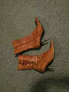 dollhouse Women's Size 8 1/2 boots.